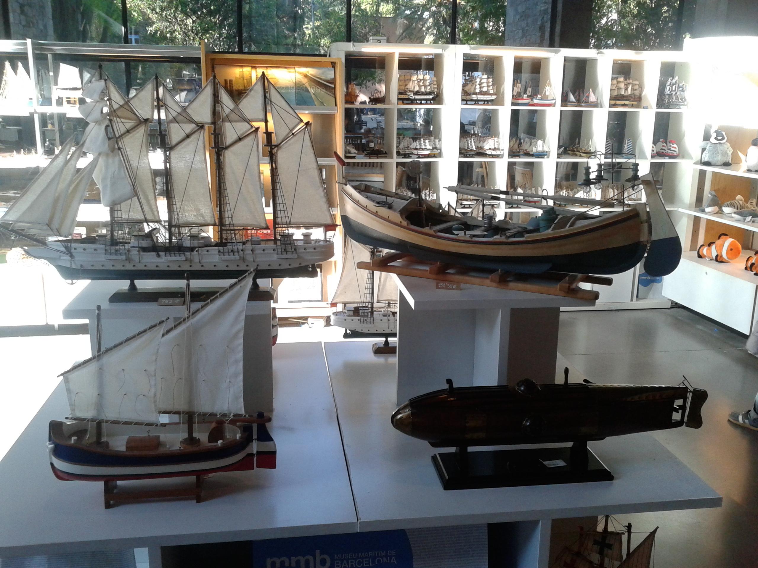 Regalos de navidad encuentrelos en los museos mar timos for Articulos decoracion nautica