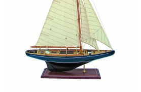 Blaues Segelschiff