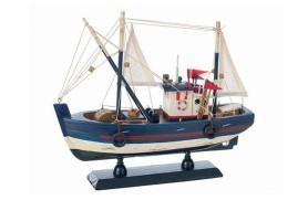 Petit bateau de pêche au chalut