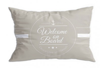 "2 beige cushions ""Welcome"""