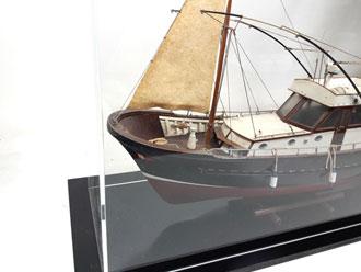 Maqueta barco pesca